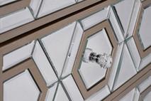 Тумбочка зеркальная с ящиками KFG044